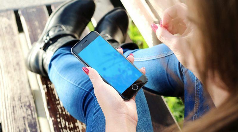 Teens use apps to keep secrets? 1