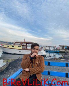 25 yaşındayım İstanbulda